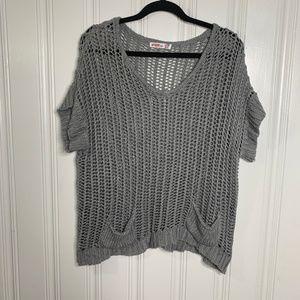 Umgee Gray Crochet Top Size Medium Style UM3228